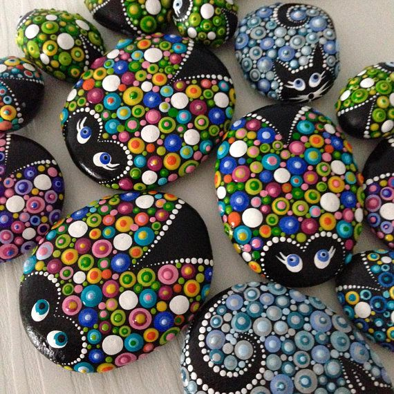 Colourful Dot Art Lucky Friends Charm Ladybug Painted Stone Fairy Garden Gift Decoration Painted rock Beachstone – Steine
