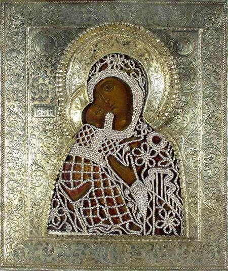 Вышитая жемчугом икона Богородицы