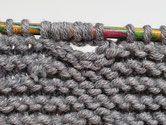 Verstärkte Knopflöcher stricken, Self-Reinforcing One-Row Buttonhole