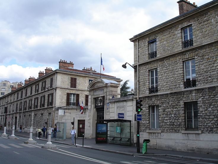 rue de Vaugirard à porte de Versailles Laennec memorial, Necker Hospital, Paris 1 - Hôpital Necker-Enfants malades