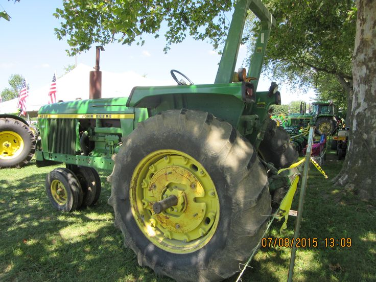 John Deere 4230 with Roll Gard