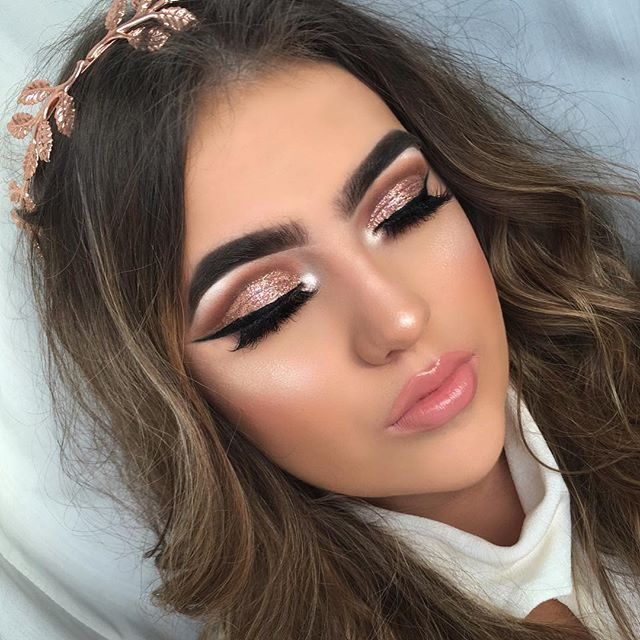 Rose gold cut crease