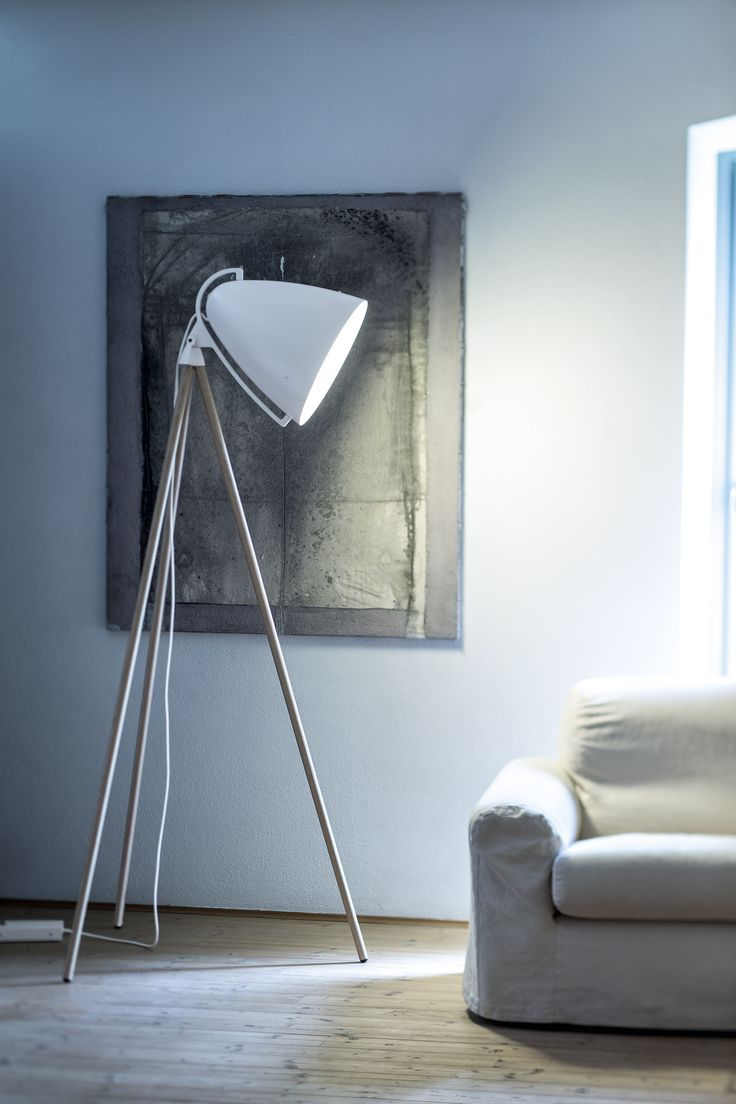 #faronext By #studiohanneswettstein Frame Trasparent Varnished Natural Oak  Wood, Lampshade Mat Whire Leacquered