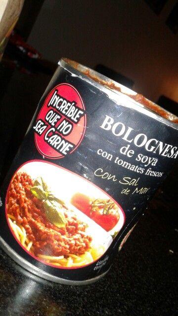 Salsa boloñesa de soya SoyChef  57 calorias x 100 g 7.3 g de proteinas x 100 g 0.9 g de grasa x 100 g 4.9 g de carbohidratos x 100 g  79 mg de sodio x 100 g