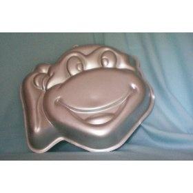 Devyn would freak out for a ninja turtle cake!!!