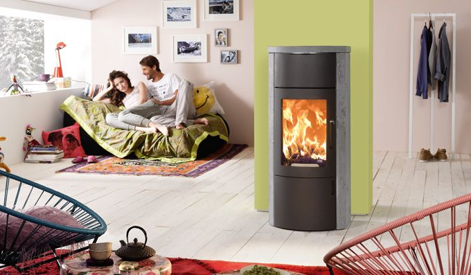 the Bono Xtra with soapstone cladding (60 mm strong), soapstone top plate and lots of heat storage. Experience warmth at its best and inform yourselves about heating with wood.
