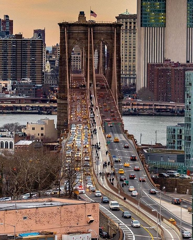 """2,719 Likes, 18 Comments - What I Saw In NYC (@what_i_saw_in_nyc) on Instagram: """"Photo by @nyc.lens Brooklyn Bridge #brooklyn #brooklynbridge #newyorknewyork #newyorker…"""""""