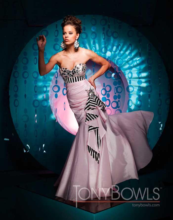 Tony Bowls Prom Girl