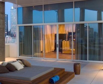 aluminium sliding patio door 1010 SLIDING MALL FRONT Kawneer