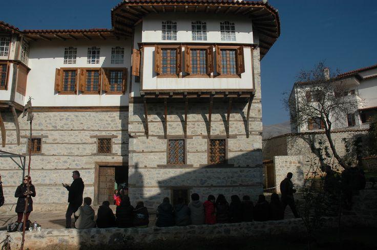 Ένα στολίδι της Σιάτιστας, το αρχοντικό της Πούλκως ανοίγει για το κοινό μετά την ολοκλήρωση των εργασιών αποκατάστασής του, που συγχρηματοδοτήθηκε με 1,5 εκατομμύριο ευρώ από την Ελλάδα και την Ευρωπαϊκή Ένωση μέσω του προγράμματος ΕΣΠΑ 2007–2013.