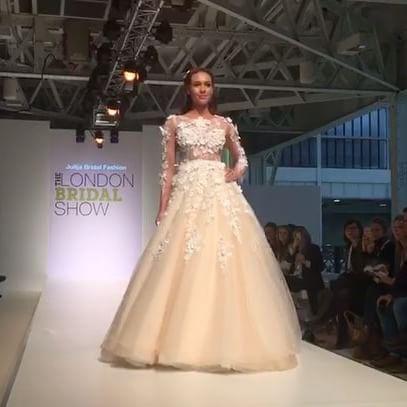 #bröllopsklänning #bröllopsresa #brollop #brollopsklanning #weddingdress #weddingtime #bridal #bruden #Bröllopbutik #bröllop2017 #bröllopsinspiration #bröllopstest #bröllopsplanering #bridal #weddingdress #weddingtime #bride #Norway #love #bridestory #häät #designer #julijabridalfashion #londonbridalshow #uk #torontofashion #kāzukleita #kāzusalons #dressfashion #dressups #eveningdress #bridalinspiration #sposa