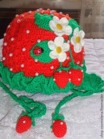 шапочка детская Сочная ягода. Шапочка с ушками, связанная крючком из 2 нитей, теплая, плотная, не продуваемая, не колется и не вызывает аллергии. При желании Заказчика возможно пришить флисовый подклад.    Так же Вы можете посмотреть и приобрести к…