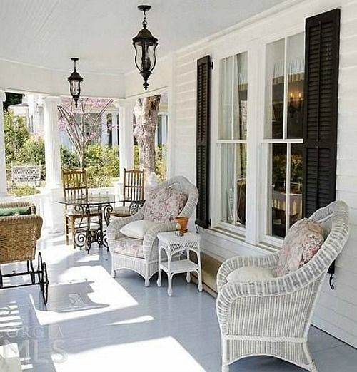 105 best images about southern plantation houses on pinterest for Southern front porches