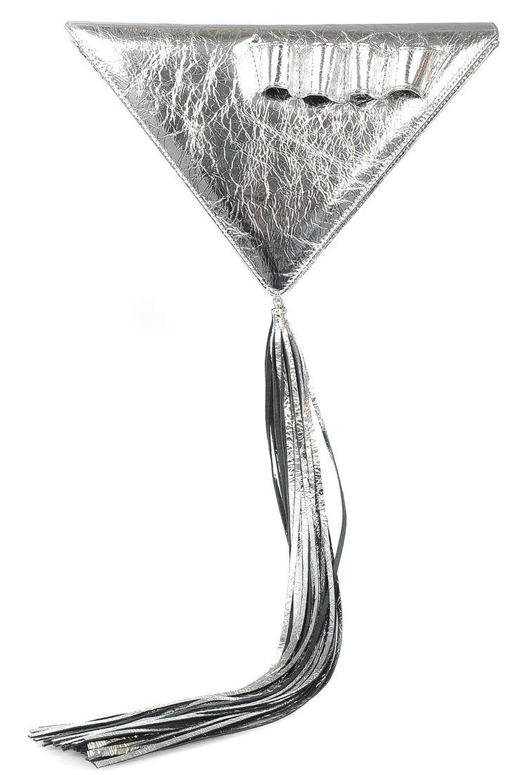 Geanta triunghi piele argintie cu ciucure