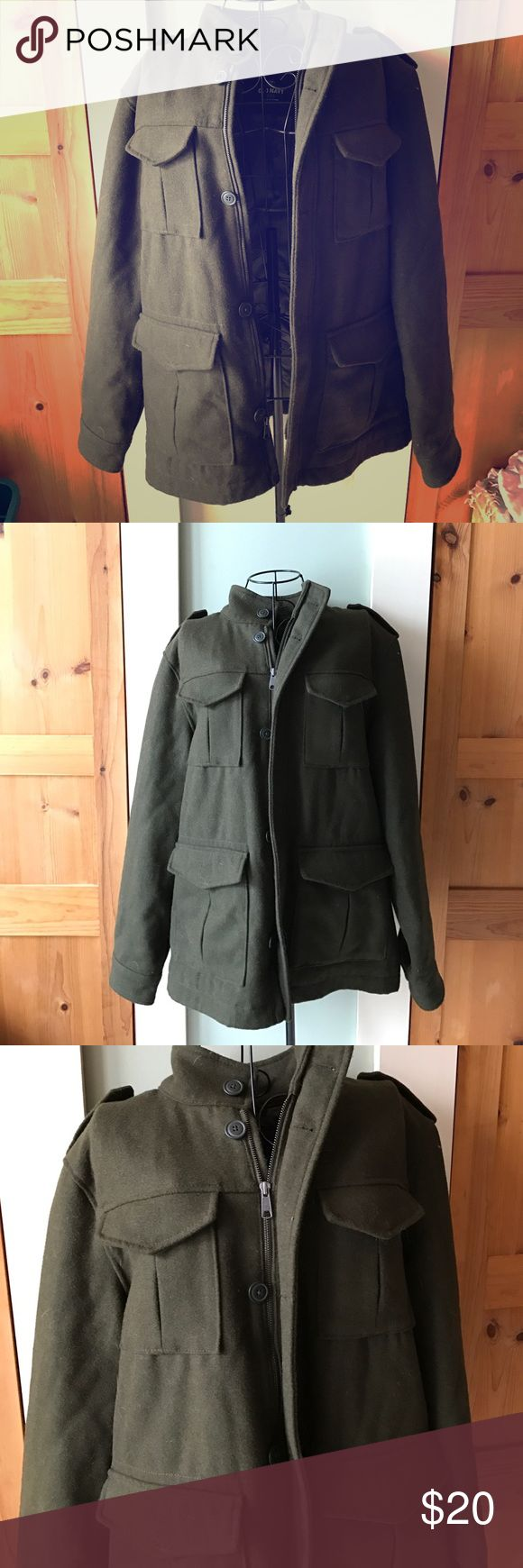Men's Old Navy coat Wool men's coat by old navy. In EUC size large green wool coat. No rips, stains, or pilling. Always dry cleaned. Please ask any questions I didn't answer. Old Navy Jackets & Coats Military & Field
