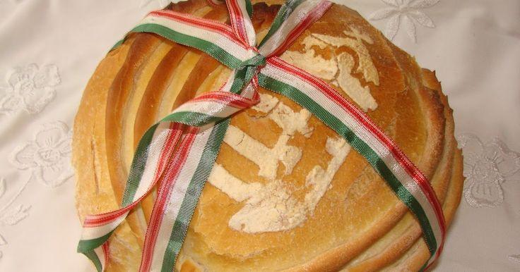 Az új kenyér és az államalapítás ünnepén, ma 2 kenyeret is sütöttem. Az egyiket ünnepélyesen a magyar címerrel díszítettem, a másikat pedig...