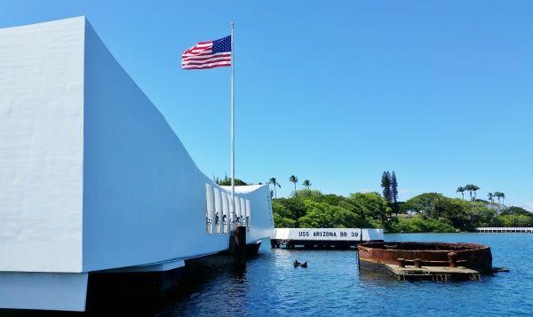 Pearl Harbor Hawaii: USS Arizona Memorial at Pearl Harbor Historic Sites, Oahu