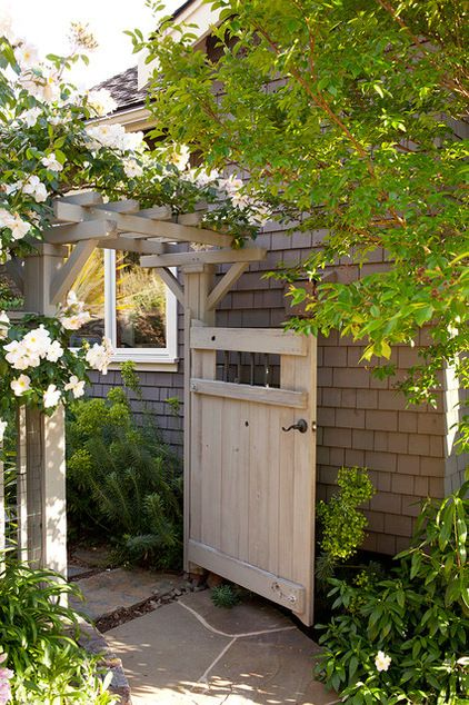 Craftsman arbor and gate. Climbing roses on a garden gate are to die for! #pinmydreambackyard