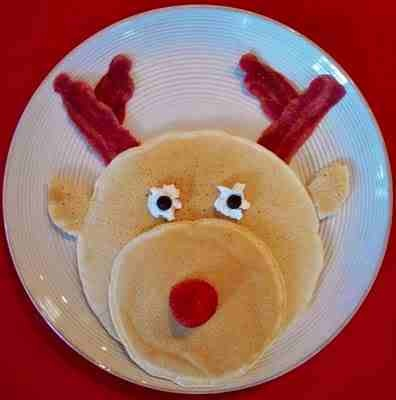 Reindeer pancakes, perfect for a Christmas morning breakfast.  http://freesamples.us/