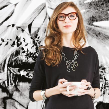 Anne-Marie Chagnon Collection 2015  Printemps-Été Collier : Olivier - brume Bracelets : Véronique, Hélène - noir Bague : Justine - noir --------------------------- 2015 Spring-Summer Collection  Necklace: Olivier - fog Bracelets: Véronique, Hélène - black Ring : Justine - black