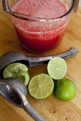 watermeloen punch met limoen en munt