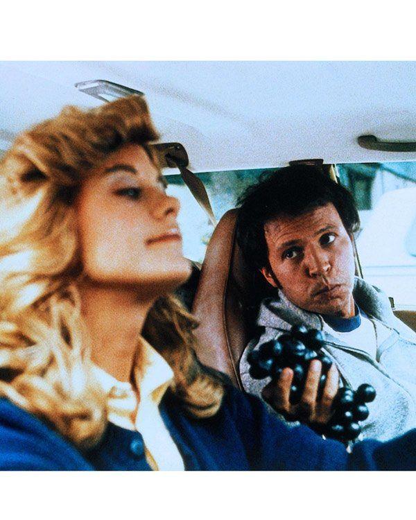 """Ein richtig guter Film mit Witzen, die 2011 noch genauso zünden wie 1989. In dieser romantischen Komödie können wir nicht nur Meg Ryans niedliches Gesicht bewundern, bevor sie es durch diverse Unterspitzungen ausradieren ließ. Auch der weltbeste gefakte Orgasmus kommt in """"Harry und Sally"""" vor. Natürlich spielt auch Billy Crystal seine Rolle als Harry, der nicht an Freundschaft zwischen Mann und Frau glaubt, ganz hervorragend. Macht gute Laune und ebenfalls Lust auf die große Liebe!"""