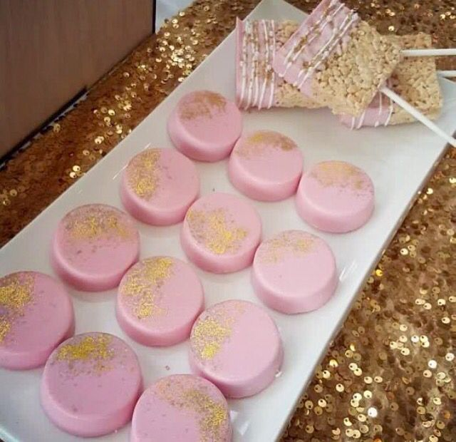 Gorgeous Pink Chocolate Covered Oreos with Edible Glitter Sugar. Bakery Bling edible glitter sugar is available online at bakerybling.com