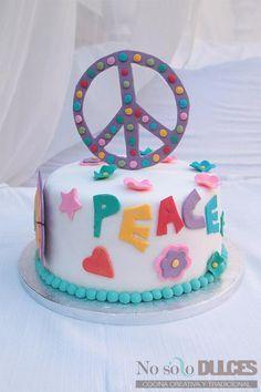 ¡Soy Bloguero cocinero de Canal Cocina! Para celebrarlo, una tarta muy especial con decoración fondant hippie con sabor a chocolate blanco y princesa