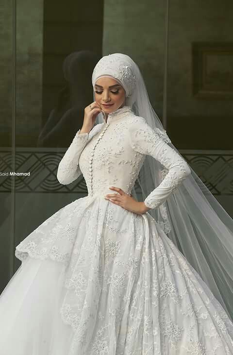 Minus the head covering I would totally wear this. Love the modesty