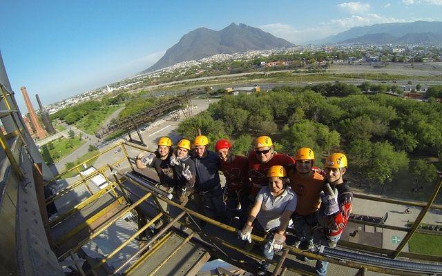 ¿Ya conoces el Parque de la Fundidora en #Monterrey? Anímate para realizar esta actividad este #FinDeSemana #Aventura #Tirolesa #Adrenalina dale click para ver más información o llámanos directo al 01800 099 0677 o igual escríbenos en whatsapp +52 998 348 46 02