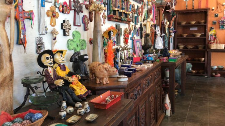 Mexican crafts are the best! Don't you think? What to buy in Todos Santos, Baja California Sur, Mexico