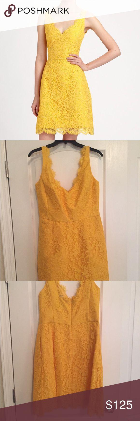 ML Monique Lhuillier yellow lace dress ML Monique Lhuillier lace dress in Yellow. NWT. Never Worn. Has pockets! Size 10. Monique Lhuillier Dresses Midi