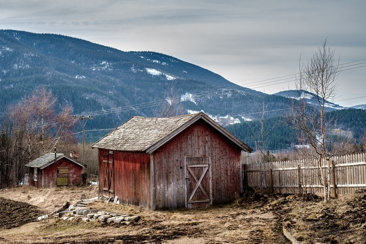 Sheds in Gudbrandsdalen by Sigurd Rage on 500px