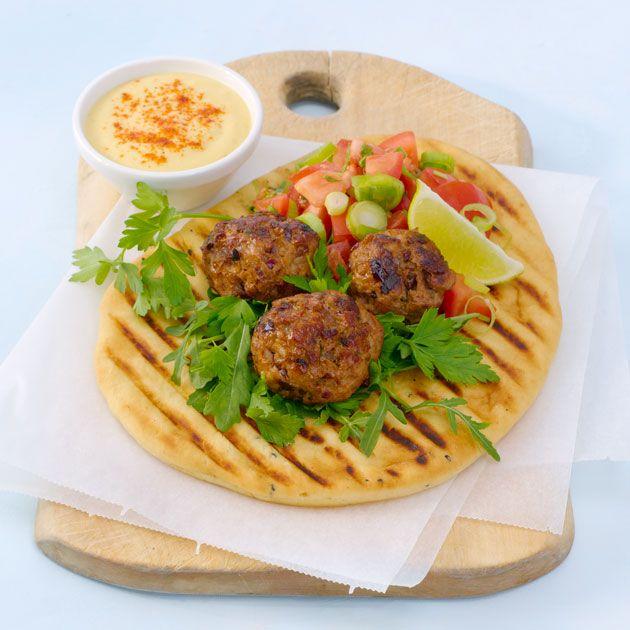 Tandoori kjøttboller, humus og nanbrød