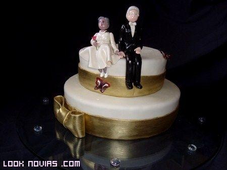 vestidos de bodas de oro | Tartas para celebrar las bodas de oro