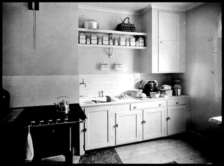 Köksinteriör från hustyp III i Ängby småstugeområde - Stockholmskällan