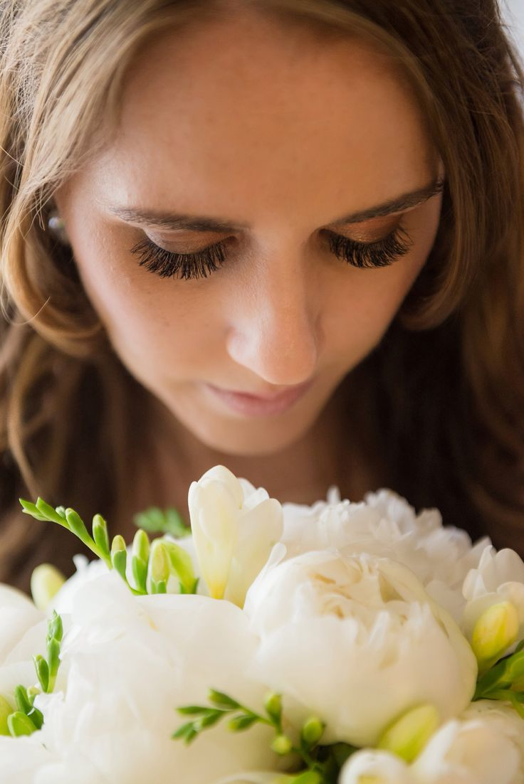 Lashes by Jenna's Beauty Booth on the Gold Coast and flowers from Ferry Road Markets florist peony Photography by Wendy Maley