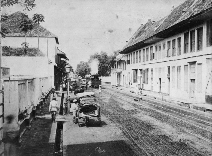 1870-1900: Trem uap di daerah pelabuhan baru, Batavia.