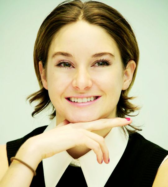 """Shailene Woodley at """"Insurgent"""" Press Conference March 6th"""