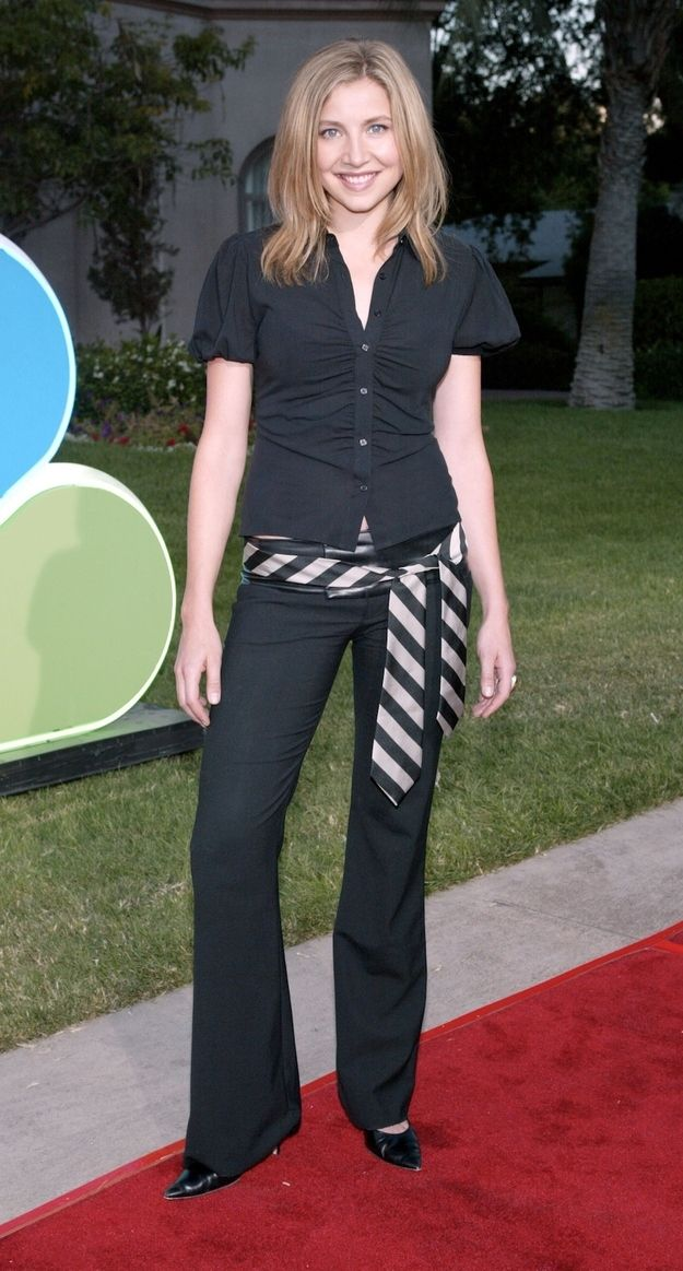 Neckties as belts. Noooooo! | 27 Forgotten Early 2000s Fashion Trends