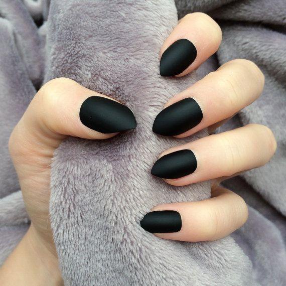 Doobys short Stiletto Nails - Matte Black - 24 Claw Point False Nails