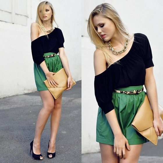 Oooh la la.Green Skirts, Nice Dresses, Toes Style, Gold Chains Bracelets, Pretty Style, Fashion Inspiration, Kristina Sometimes, Bold Belts, Dreams Closets