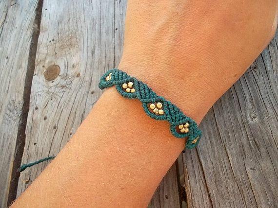 Bracelet macramé fait fil ciré résistant à la par LunaticHands