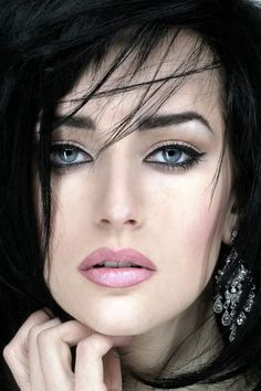 gorgeous women exotic eyes - Yahoo Image Search Results