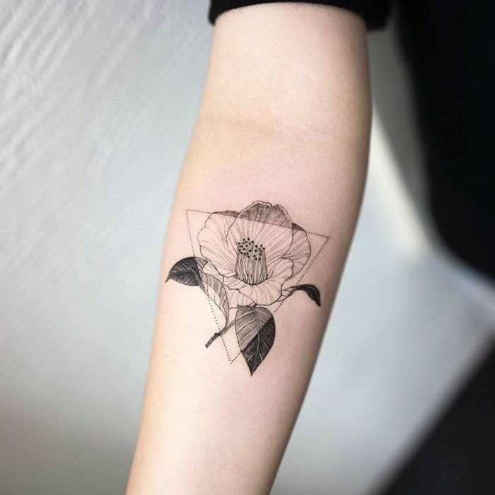 15+ Delicately Beautiful Tattoos By South Korean Artist Hongdam  http://www.boredpanda.com/minimalist-tattoo-hongdam-korea/