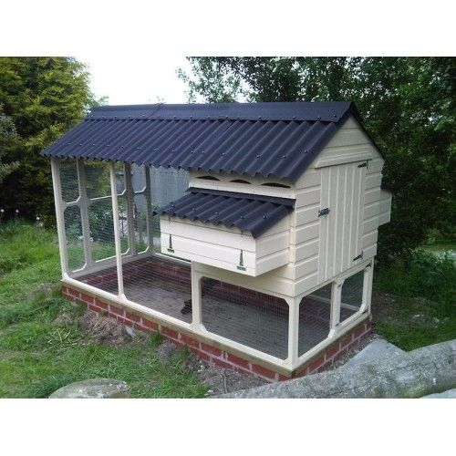 Walk In Chicken House pinterest'teki 25'den fazla en iyi walk in chicken coop fikri