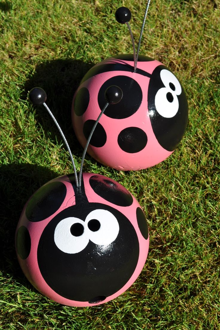 bowling balls can make great garden buddies- whatever you can dream up!