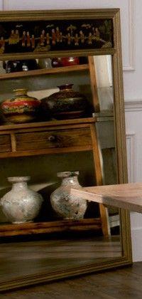 Espejo con motivos chinos y marco en oro viejo 130 x 4 x 150