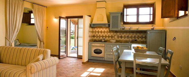 Appartamento bilocale, realizzato in stile tipicamente toscano con estrema cura dell'arredamento e dei particolari.