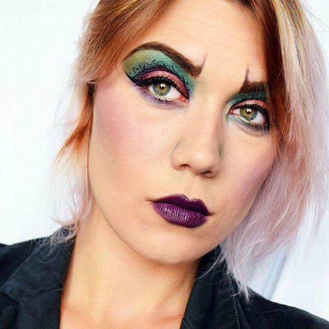 Inspiration Disney & Maléfique  C'était le Make up Dej du jour (vous pouvez revoir le replay sur ma page Facebook La Debrouillarde)  C'est n'est pas encore Halloween mais ce maquillage lance le début d'un mois sous le signe du maquillage artistique   #malefique #maleficentmakeup #photooftheday #maquillagedujour #makeupcolor #makeup #makeupartist #selfie #eyeshadow #instamakeup #makeuplover #nofilter #contour #maleficent #disney #disneyworld #waltdisney #onceuponatime #maléfica #pligsc...
